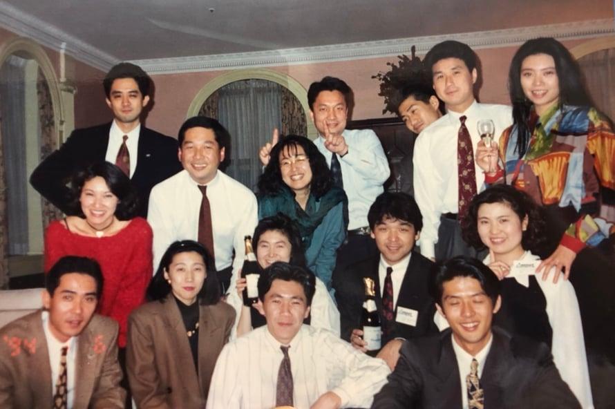 アムネットのメンバーと(中川さん:最後列右から2番目、鈴木さん:最前列中央)